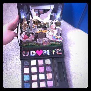 Urban Decay NYC Eye Shadow Makeup Pallette